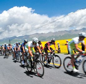 2012-the-11th-lake-race-will-achieve-the-three-provinces-astride
